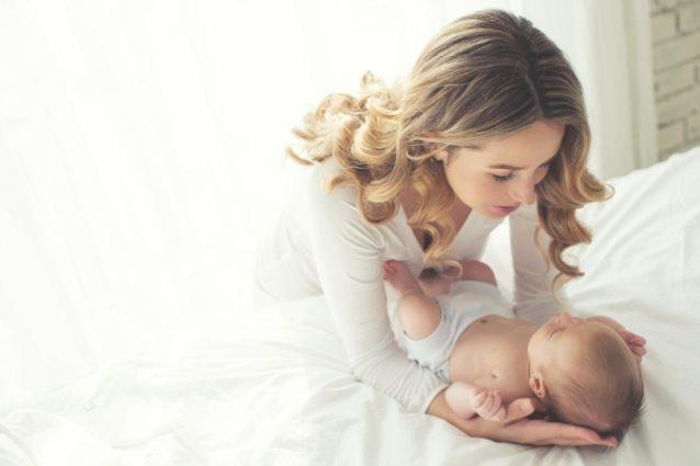 رأس الرضيع غير متناسق - أنوثة