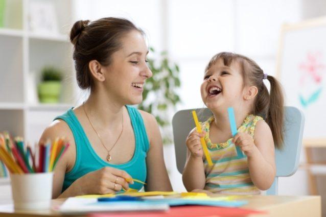 نصائح لإختيار مربية الأطفال - أنوثة
