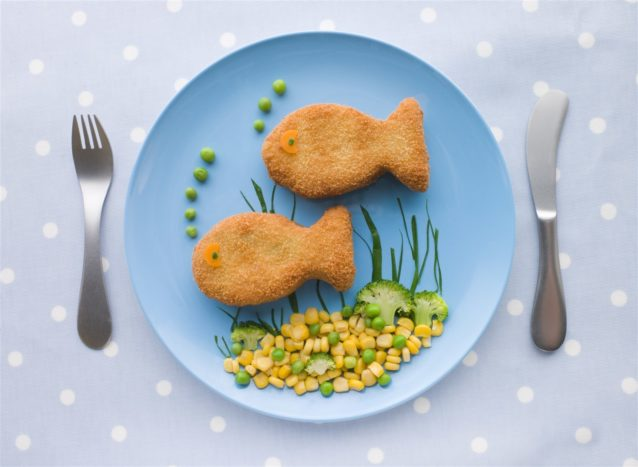 كيف اقدم السمك للطفل - أنوثة