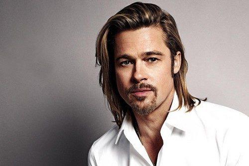 """<p dir=""""RTL""""><strong>براد بيت </strong><strong>Brad Pitt</strong></p> <p dir=""""RTL"""">الممثل الأميركي الشهير براد بيت والزوج السابق للممثلة العالمية انجلينا جولي حاز على المرتبة التاسعة من حيث الجاذبية والوسامة مع أنه تقدم في العمر.</p>"""