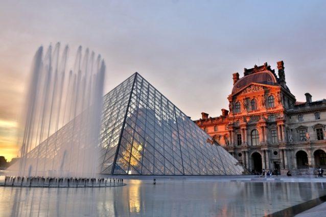 <p><strong>France - فرنسا<br /><br /> </strong>تعدّ فرنسا من أشهر الدول السياحية المهمة التي يستحسن تجنبها في صيف 2020، إذ شهدت إنتشاراً واسعاً وغير متوقّعاً للفيروس المستجدّ فرض إقفالاً تاماً وعزلاً منزلياً طويلاً. فعلى الرغم من بدء تخفيف خطوات العزل والإقفال التام، إلّا أنّه يفضّل تفادي زيارة مدنها السياحية.</p>