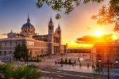 <strong>Spain - إسبانيا<br /><br /> </strong>شهدت إسبانيا إنتشاراً واسعاً وسريعاً لفيروس كورونا المستجدّ الذي حصد أعداداً كبيرة من الوفيات والإصابات خصوصاً في العاصمة، ما يجعلها اليوم من الدول السياحية التي يستحسن تجنبها خلال صيف 2020 فهي لا زالت تحارب الفيروس وتحاول حصره.