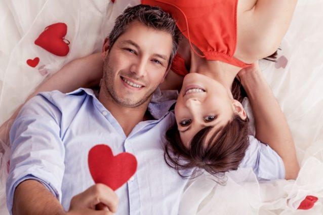 إكتشفي مع أنوثة في الموضوع التالي أبرز علامات الوقوع في الحبّ