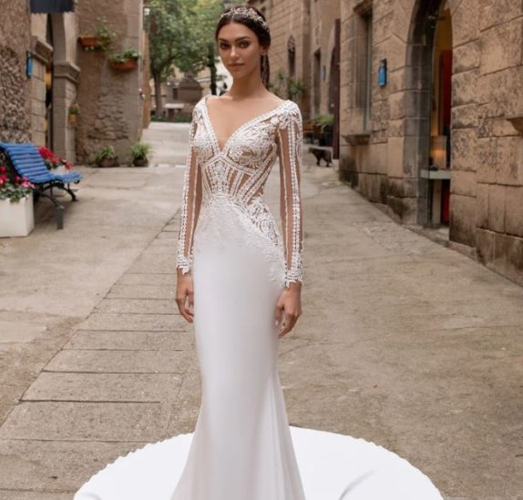 كلّ عروس ستجد فستان أحلامها في مجموعة برونوفياس لربيع 2021