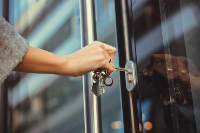 حلم فتح الباب بالمفتاح هذه دلالاته ورموزه أنوثة Ounousa موقع الموضة والجمال للمرأة العربية
