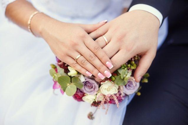 تفسيرات مختلفة لحلم زواج الرجل على زوجته تجدينها في الموضوع التالي من أنوثة