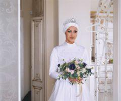 عروس محجبة مع تاج – أنوثة