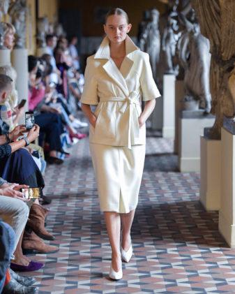 ملابس صيف كلاسيك من عروض الازياء العالمية