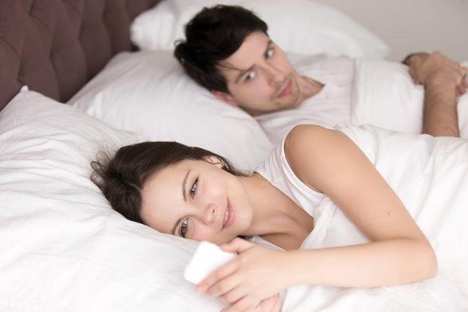 نصائح ضرورية للتعامل مع الزوجة التي تراسل غير زوجها تجدها في الموضوع التالي