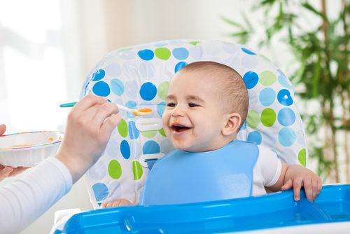 فوائد كرسي الطعام للطفل – أنوثة