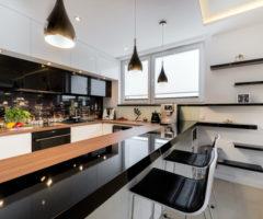 عزّزي من فخامة ديكور منزلك مع اللون الأسود لمطبخك!