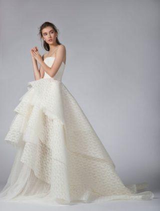 جورج حبيقة يحتفل بالحبّ بطريقة عصرية في مجموعة فساتين زفاف خريف 2019