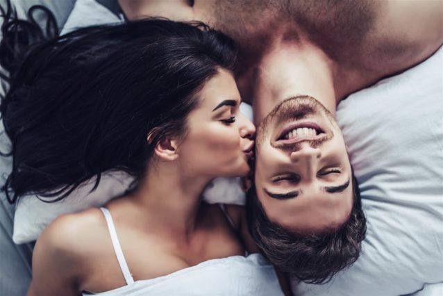 ما هي الكلمات التي تسعد الزوج في الفراش؟