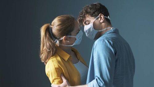 خطر انتقال كورونا خلال العلاقة الحميمة... أنشطة يجب تجنبها