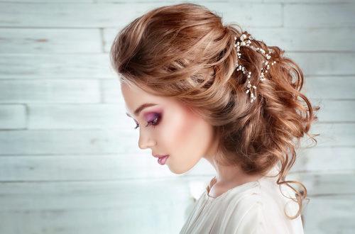 أجمل تسريحات تناسب العروس العصرية