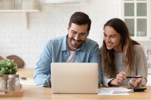 5 طرق سهلة لتوفّري المال لحفل زفافكِ!