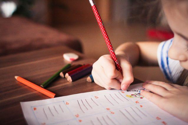 3 أسباب وراء خوف طفلكِ من العودة الى المدرسة... تنبّهي لهاّ!