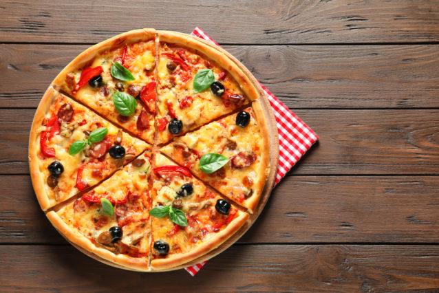 اخطاء تحضير عجينة البيتزا في المنزل