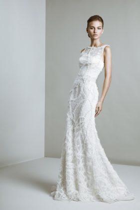 فستان المُلهمة أو Muse ذات الخطوط الرفيعة من الدانتال الفاخر
