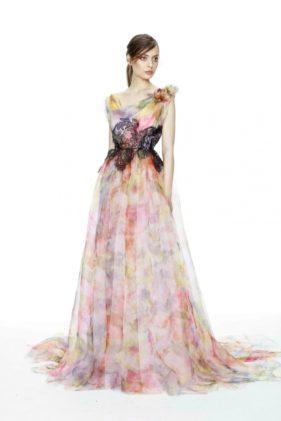 فستان ممزوج بالألوان وعروق بالدانتال الأسود حول الخصر